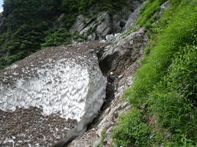 新越沢出合の残雪(下流側)