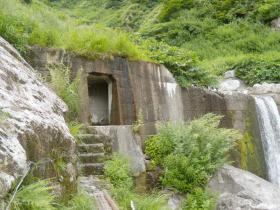 オリオ谷の隧道入り口(右岸側)
