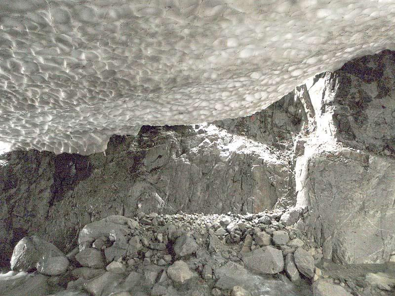 写真:スノーブリッジの下  (08.9.27)