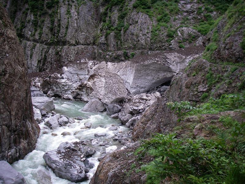 写真:別山谷出合の残雪状況 (9月13日現在)