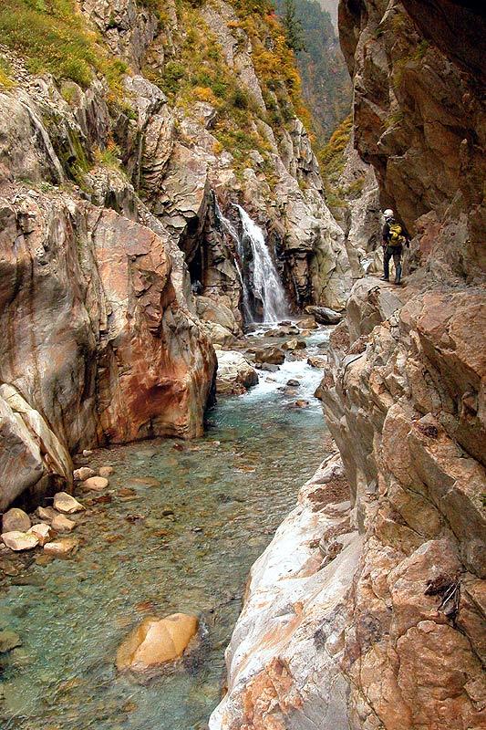 写真:白竜峡下部より上流へ