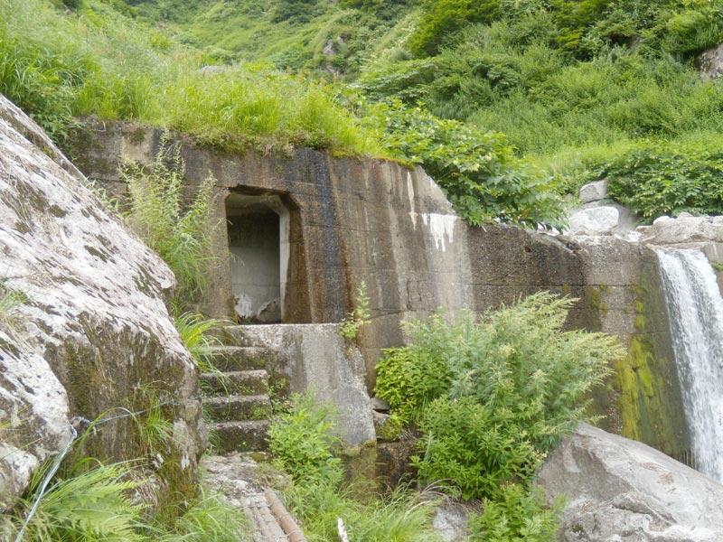 写真:オリオ谷の隧道入り口(右岸側)