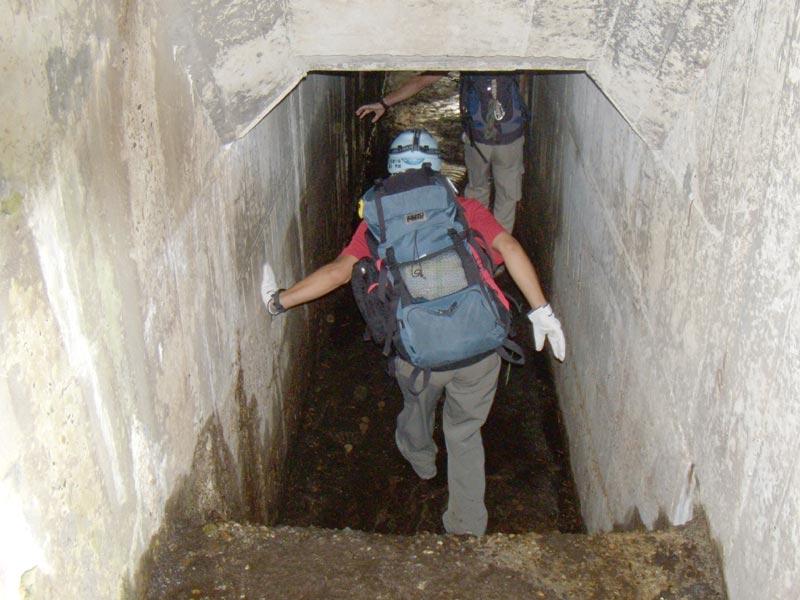 写真:オリオ谷の隧道内(右岸側より)