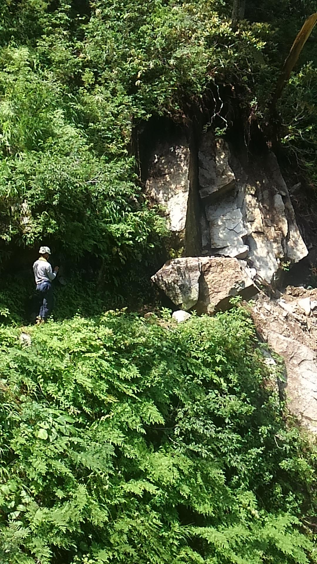 写真:岩の崩落!